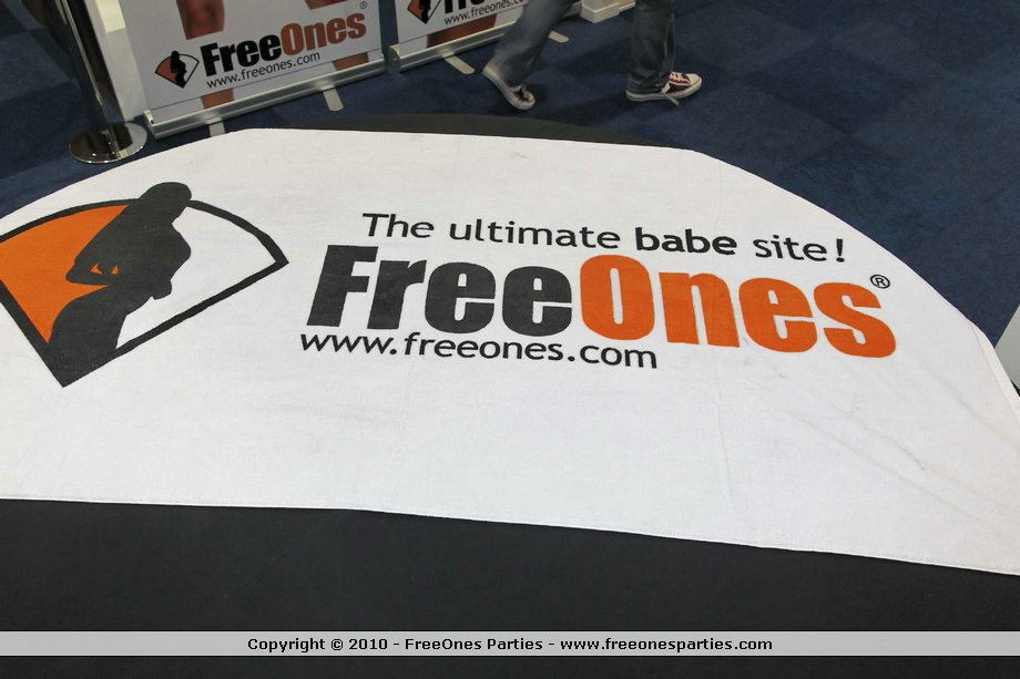 Berlin Video Pictures Movies Freeones 70